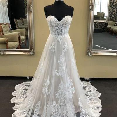2019 White sweetheart neck long A-l..
