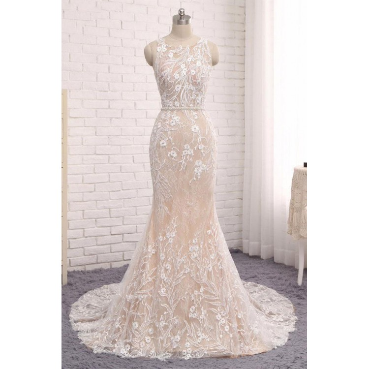 Sleeveless Lace Appliqués Mermaid Wedding Dress with Sweep Train