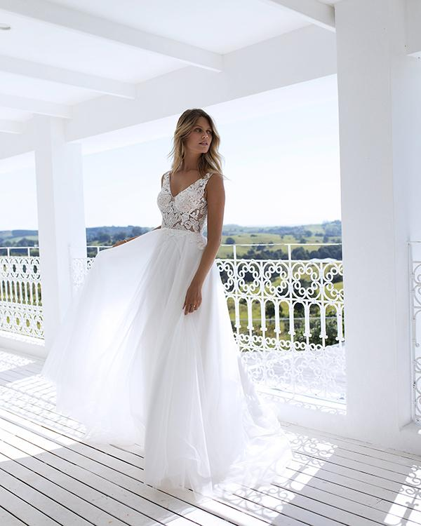 11134f6bf3 2018 Summer Beach Wedding Dresses V Neckline Tulle A line Wedding Gowns New  Fashion,W3125