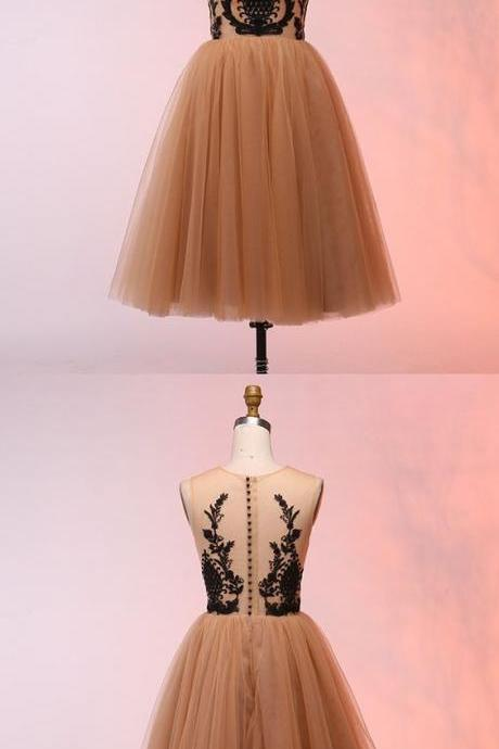 A-Line Round Neck Short Champagne Homecoming Dress with Appliques,P631