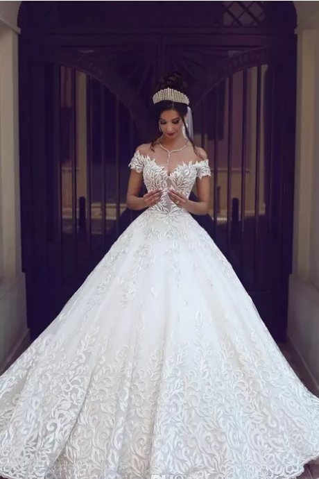 2017 New Vintage Lace Wedding Dresses Sexy Off the Shoulder Short Sleeves Applique Sweep Train A Line Wedding Bridal Gowns Custom Made,W1409