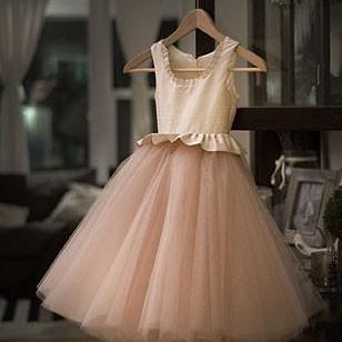 Sleeveless Scoop Tulle Flower Girl Dress